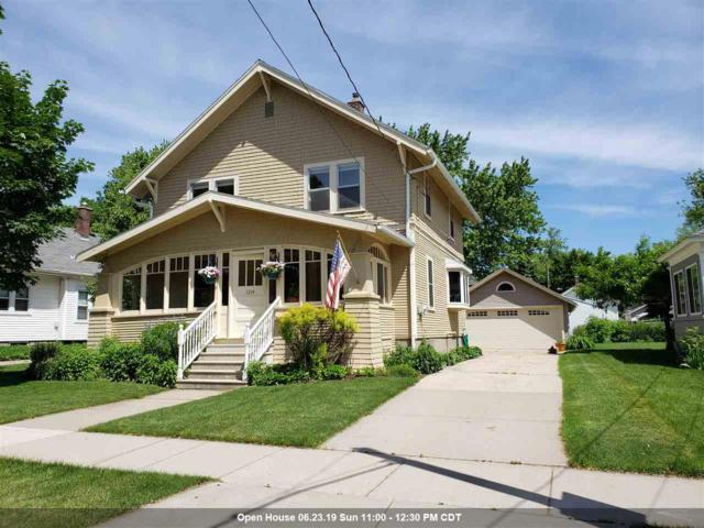 1214 W Packard Street, Appleton, WI 54914 (#50205018) :: Todd Wiese Homeselling System, Inc.