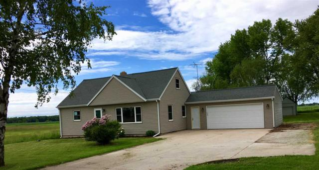 5061 Algoma Road, New Franken, WI 54229 (#50205071) :: Todd Wiese Homeselling System, Inc.