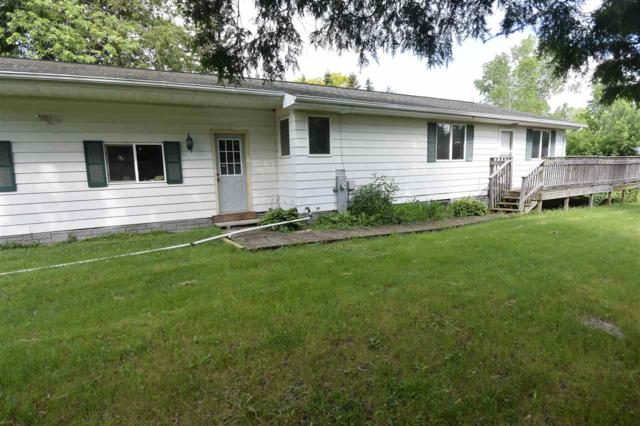1833 Pershing Road, New London, WI 54961 (#50205289) :: Todd Wiese Homeselling System, Inc.