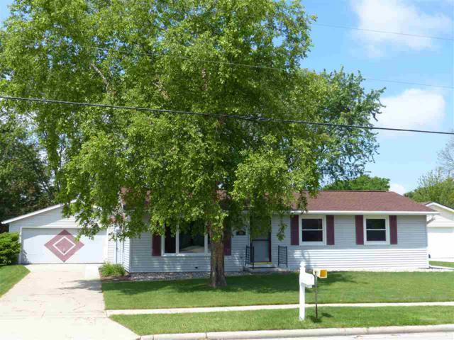 858 Martin Avenue, Fond Du Lac, WI 54935 (#50205322) :: Symes Realty, LLC
