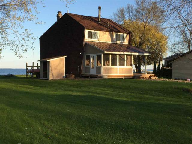 2830 Kunzer Beach Lane, Little Suamico, WI 54141 (#50205323) :: Symes Realty, LLC