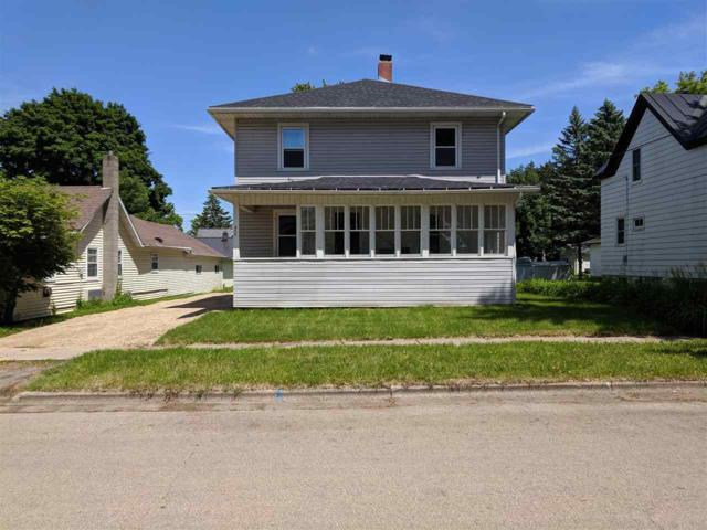806 Algoma Street, New London, WI 54961 (#50205389) :: Todd Wiese Homeselling System, Inc.