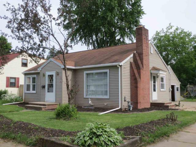 401 E Murray Avenue, Appleton, WI 54915 (#50205407) :: Todd Wiese Homeselling System, Inc.
