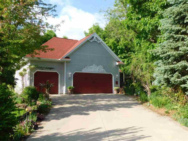 8405 Ridgeview Court, Larsen, WI 54947 (#50205416) :: Dallaire Realty