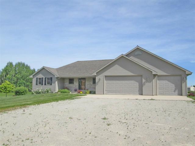 W2216 Hwy S, Pulaski, WI 54162 (#50205444) :: Todd Wiese Homeselling System, Inc.