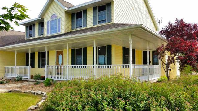 1451 Stable Lane, Pulaski, WI 54162 (#50205458) :: Todd Wiese Homeselling System, Inc.