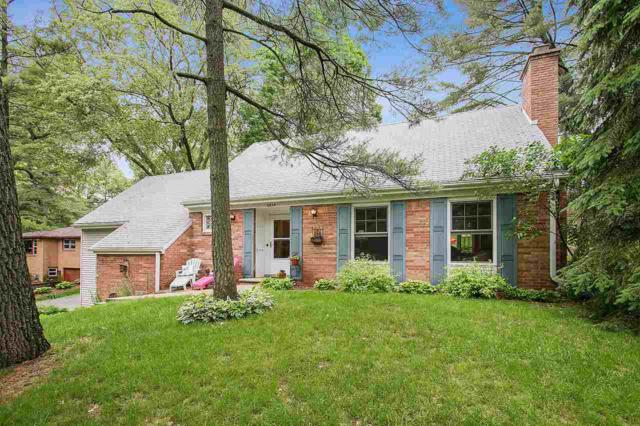 2859 St Ann Drive, Green Bay, WI 54311 (#50205613) :: Todd Wiese Homeselling System, Inc.