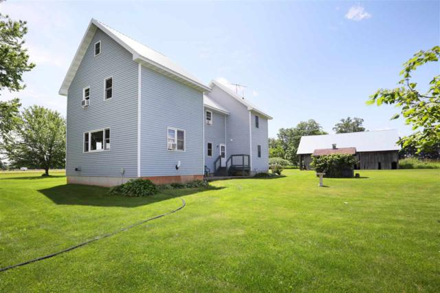 W10668 Breiting Road, New London, WI 54961 (#50205782) :: Symes Realty, LLC