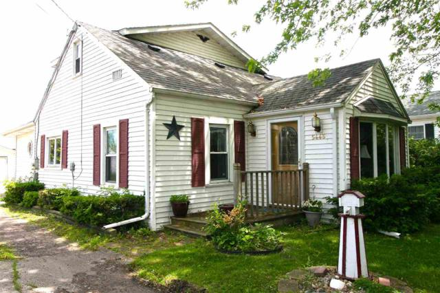 5446 E Reighmoor Road, Omro, WI 54963 (#50205832) :: Symes Realty, LLC