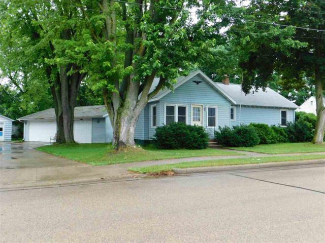112 S Oak Avenue, Gillett, WI 54124 (#50206208) :: Todd Wiese Homeselling System, Inc.
