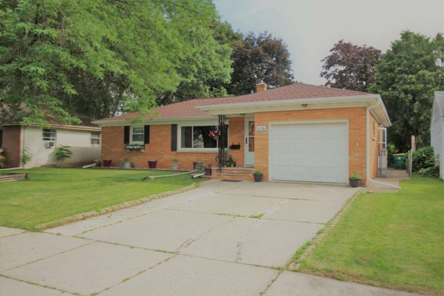 1079 Roscoe Street, Green Bay, WI 54304 (#50206359) :: Dallaire Realty
