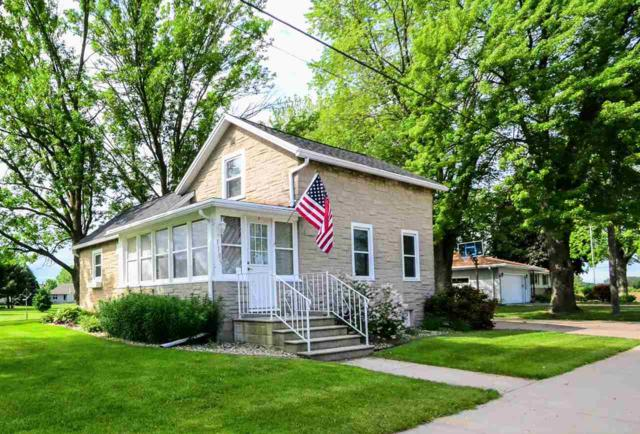 1105 Main Street, Wrightstown, WI 54180 (#50206361) :: Dallaire Realty