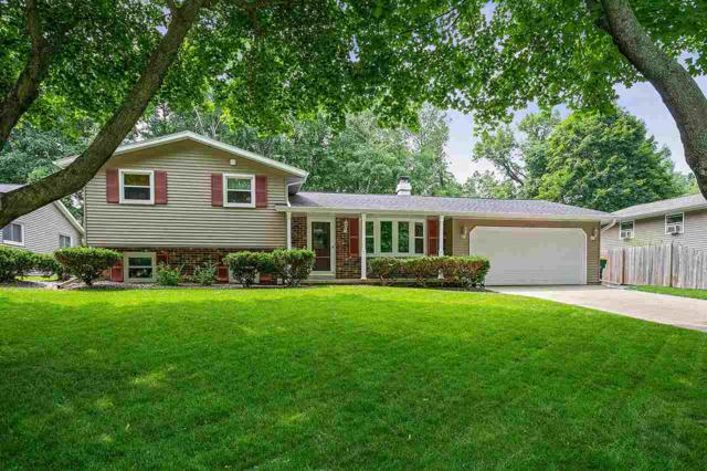 2169 White Oak Terrace, Green Bay, WI 54304 (#50206543) :: Todd Wiese Homeselling System, Inc.