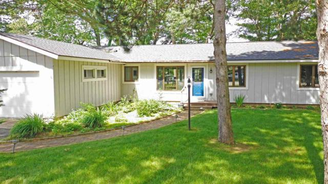 N2295 Country Lane, Waupaca, WI 54981 (#50206548) :: Symes Realty, LLC
