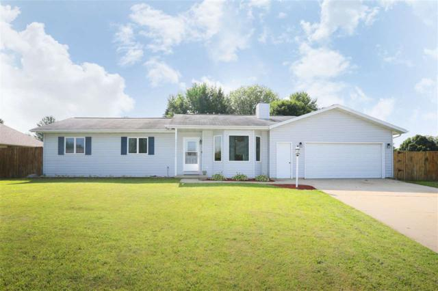 224 Forest Street, Fox Lake, WI 53933 (#50206568) :: Dallaire Realty