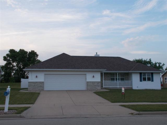 765 N Melcorn Circle, De Pere, WI 54115 (#50206628) :: Todd Wiese Homeselling System, Inc.