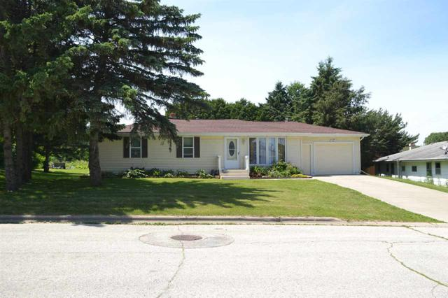 1633 Bond Court, Green Bay, WI 54303 (#50206675) :: Dallaire Realty