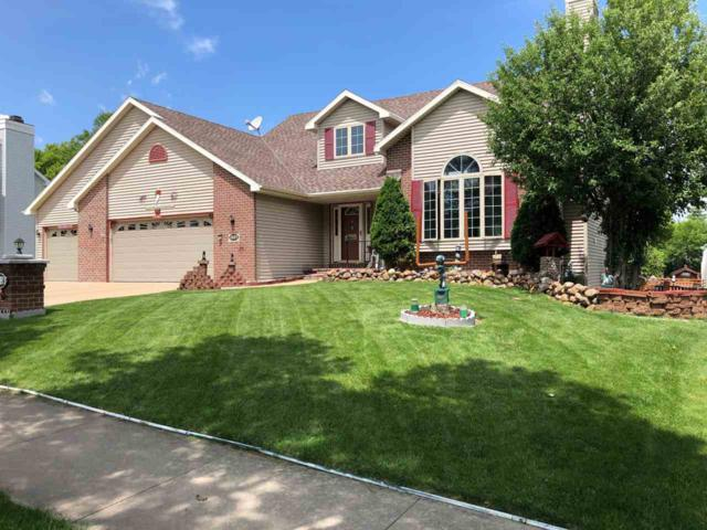 1807 N Sunkist Circle, De Pere, WI 54115 (#50206812) :: Todd Wiese Homeselling System, Inc.