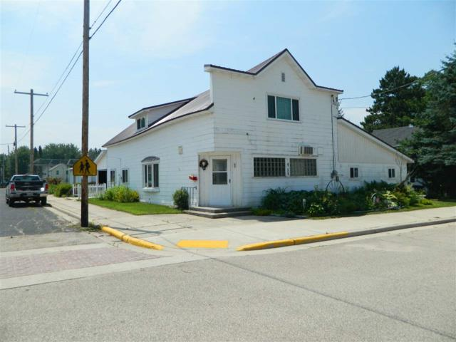 401 Cedar Street, Tigerton, WI 54486 (#50206933) :: Symes Realty, LLC