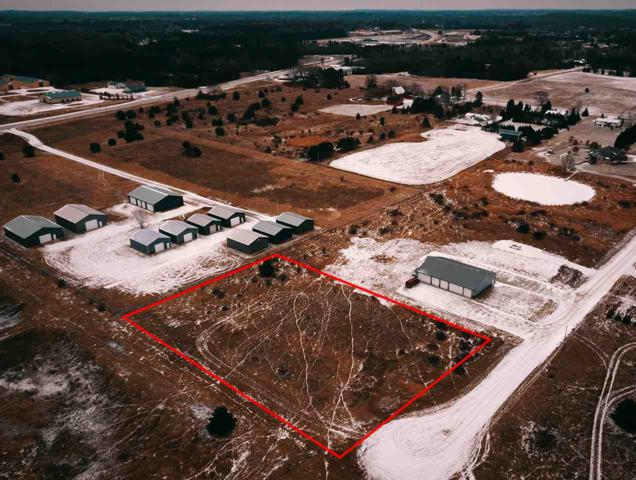 E2002 Polly Road, Waupaca, WI 54981 (#50206960) :: Todd Wiese Homeselling System, Inc.