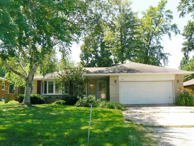 1933 Darwin Avenue, Green Bay, WI 54303 (#50207001) :: Todd Wiese Homeselling System, Inc.