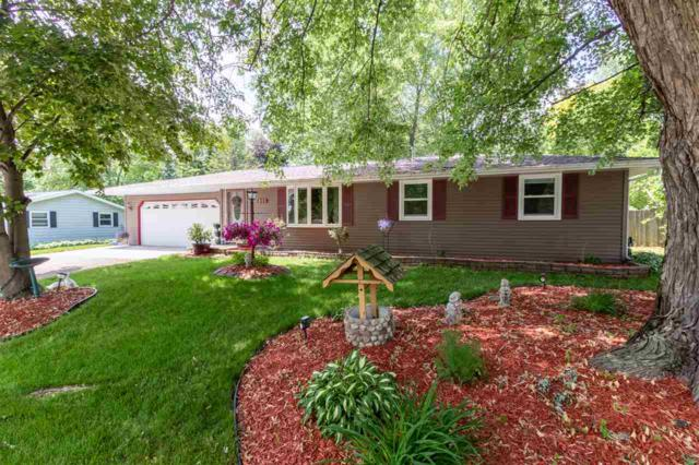 853 Hillcrest Heights, Green Bay, WI 54313 (#50207004) :: Todd Wiese Homeselling System, Inc.