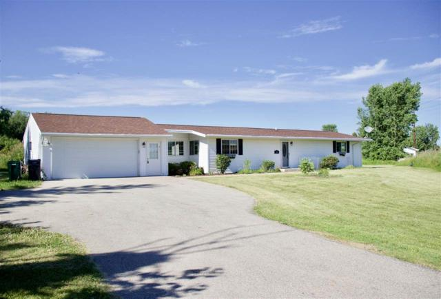 3411 N Rifle Range Road, GRAND CHUTE, WI 54913 (#50207020) :: Todd Wiese Homeselling System, Inc.