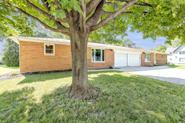2115 Center Street, Ashwaubenon, WI 54304 (#50207067) :: Dallaire Realty