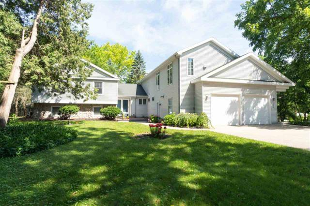 1920 E Apple Creek Road, Appleton, WI 54913 (#50207070) :: Todd Wiese Homeselling System, Inc.