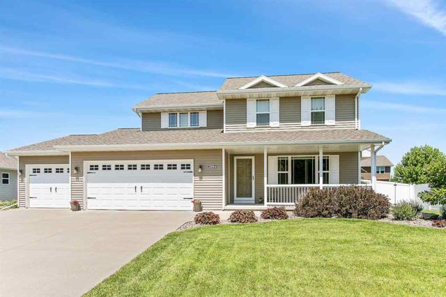 2094 W Higgins Hill, De Pere, WI 54115 (#50207086) :: Todd Wiese Homeselling System, Inc.