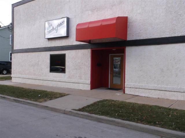 208 W 12TH Avenue, Oshkosh, WI 54902 (#50207095) :: Dallaire Realty