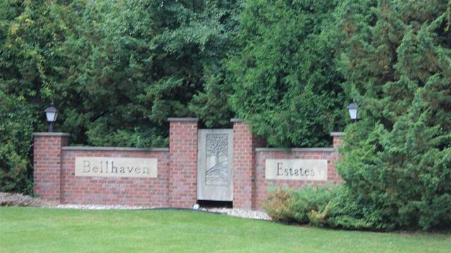 4054 Stonegate Drive, Oshkosh, WI 54904 (#50207108) :: Dallaire Realty