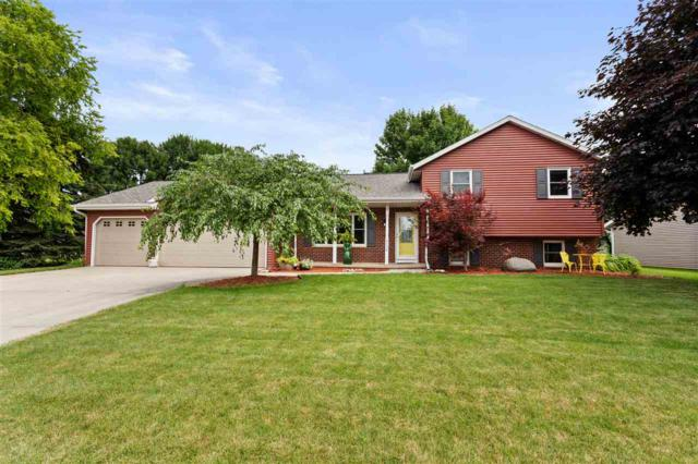 2136 W Roselawn Drive, Appleton, WI 54914 (#50207111) :: Dallaire Realty