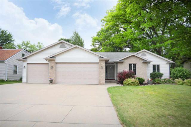 1004 Hillcrest Drive, Kaukauna, WI 54130 (#50207112) :: Todd Wiese Homeselling System, Inc.
