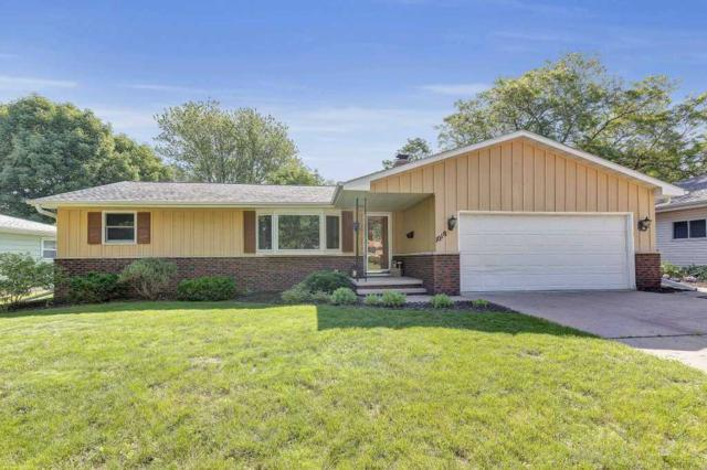 1018 S Midpark Drive, Appleton, WI 54915 (#50207154) :: Dallaire Realty