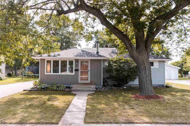 812 John Street, Menasha, WI 54952 (#50207159) :: Todd Wiese Homeselling System, Inc.