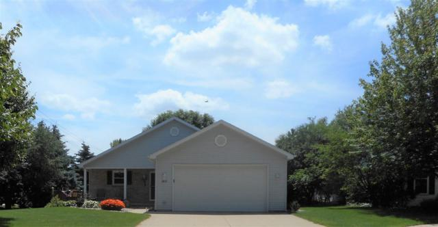 1917 E Melody Lane, Appleton, WI 54913 (#50207173) :: Dallaire Realty
