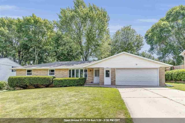 949 Rasmussen Place, Green Bay, WI 54304 (#50207201) :: Todd Wiese Homeselling System, Inc.