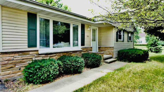 2811 W Spencer Street, Appleton, WI 54914 (#50207206) :: Todd Wiese Homeselling System, Inc.