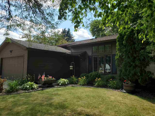 1635 Villa Park Drive, Oshkosh, WI 54904 (#50207232) :: Todd Wiese Homeselling System, Inc.
