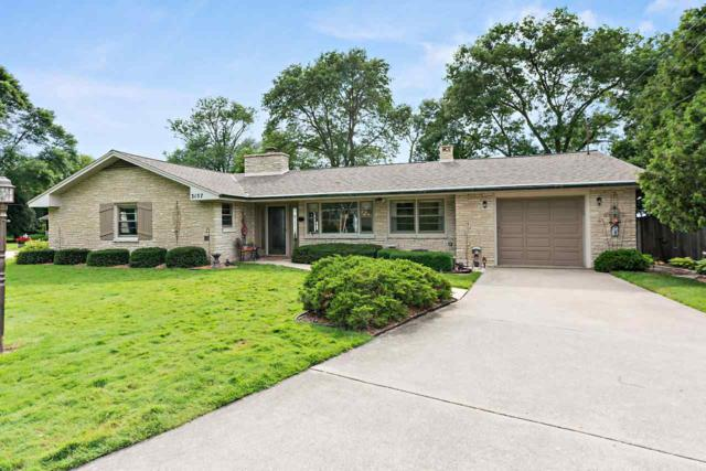 3157 Nicolet Drive, Green Bay, WI 54311 (#50207249) :: Todd Wiese Homeselling System, Inc.