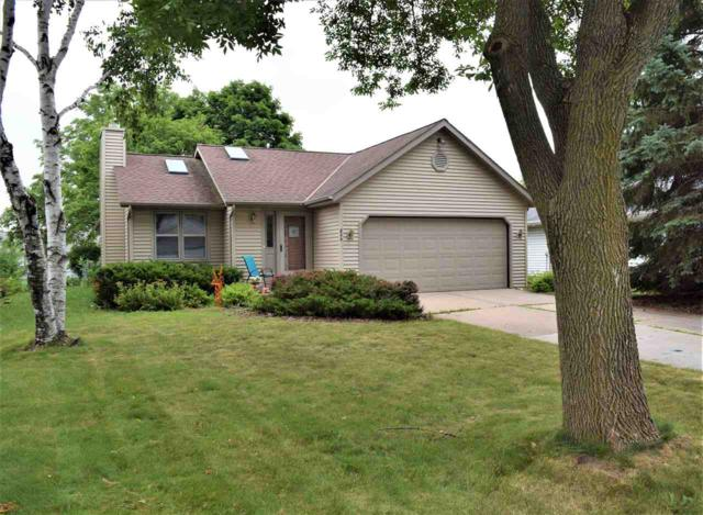 806 Flambeau Place, De Pere, WI 54115 (#50207278) :: Todd Wiese Homeselling System, Inc.