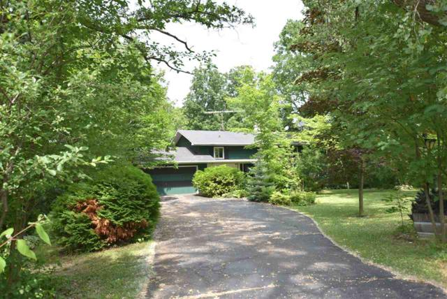 1833 Crown Drive, Oshkosh, WI 54904 (#50207284) :: Todd Wiese Homeselling System, Inc.