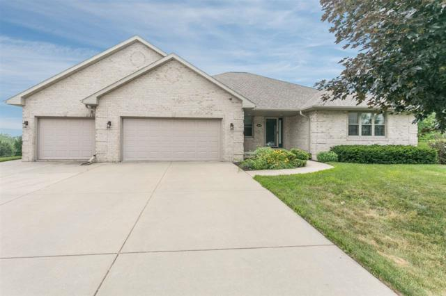 1401 Wilbert Hill Court, Green Bay, WI 54313 (#50207297) :: Todd Wiese Homeselling System, Inc.