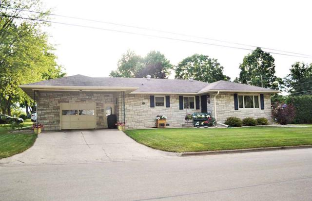 1415 Lawrence Street, New London, WI 54961 (#50207328) :: Dallaire Realty