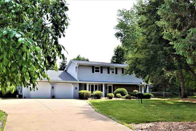2739 Oakwood Drive, Green Bay, WI 54304 (#50207344) :: Todd Wiese Homeselling System, Inc.
