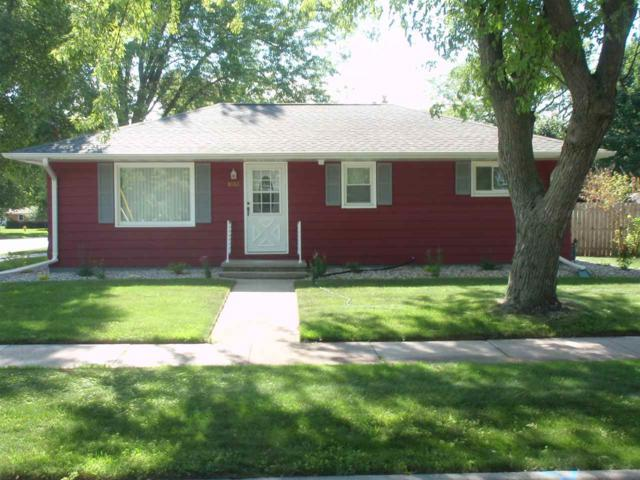 1603 Grove Street, Oshkosh, WI 54901 (#50207349) :: Symes Realty, LLC