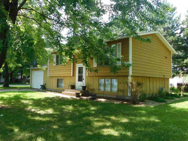 1219 S Lincoln Street, Shawano, WI 54166 (#50207359) :: Dallaire Realty