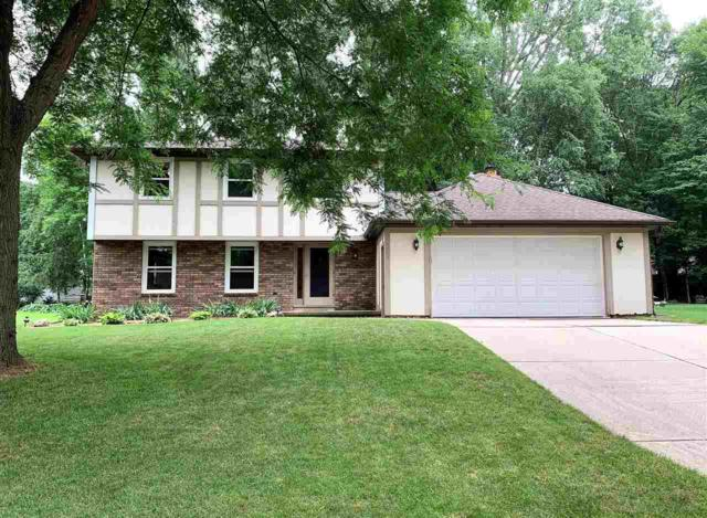 2465 Parkwood Drive, Green Bay, WI 54304 (#50207361) :: Todd Wiese Homeselling System, Inc.