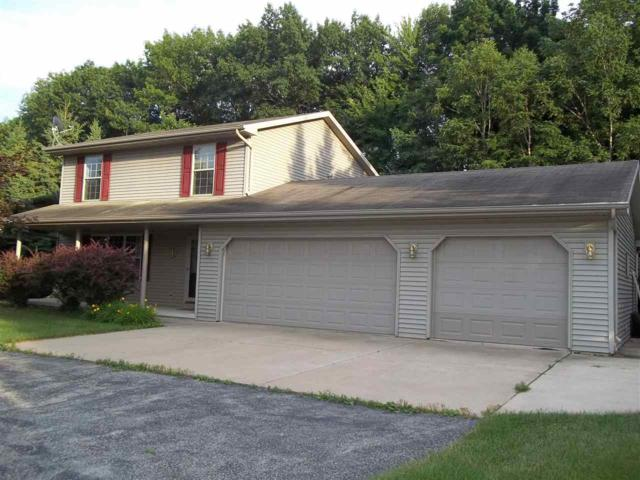 2083 Meadow Heights Trail, Green Bay, WI 54313 (#50207377) :: Todd Wiese Homeselling System, Inc.